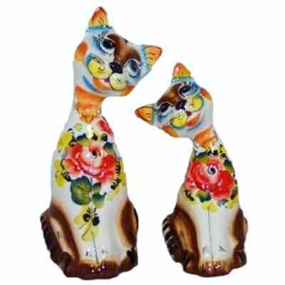 Коты из фарфора с цветной росписью