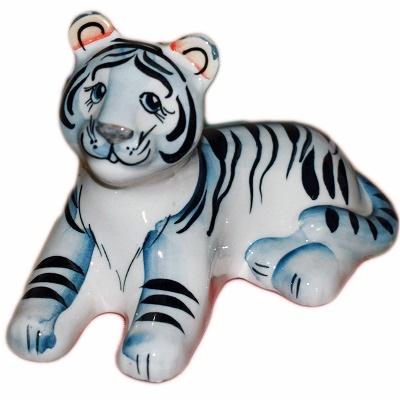 Фигура белого тигра из фарфора