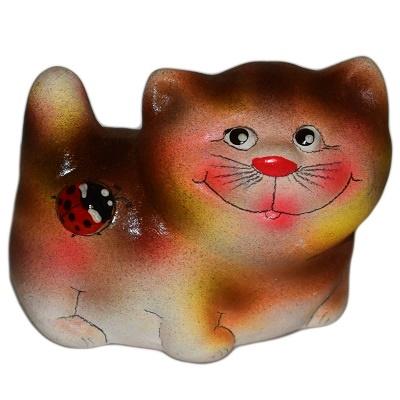 Кот керамический с божьей коровкой