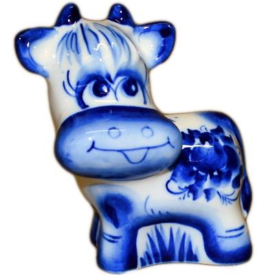 Фигурка коровы с гжельской росписью